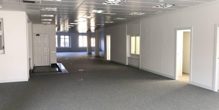 expertos-inmobiliarios-alquiler-venta-oficinas-barcelona-naves-industriales-alquiler-edificios-11