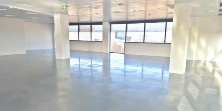 expertos-inmobiliarios-alquiler-venta-oficinas-barcelona-naves-industriales-alquiler-edificios-18