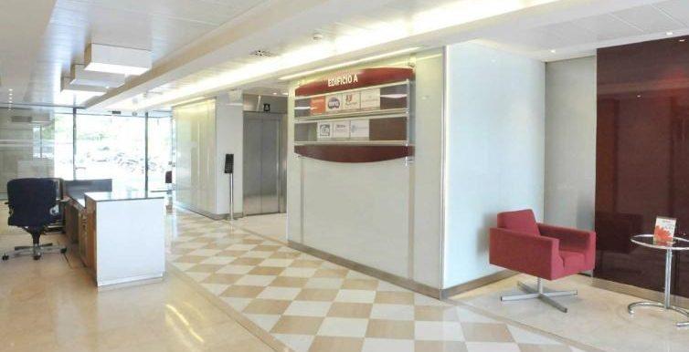 expertos-inmobiliarios-alquiler-venta-oficinas-barcelona-naves-industriales-alquiler-edificios-21