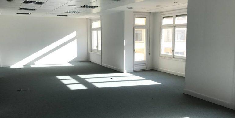expertos-inmobiliarios-alquiler-venta-oficinas-barcelona-naves-industriales-alquiler-edificios-5