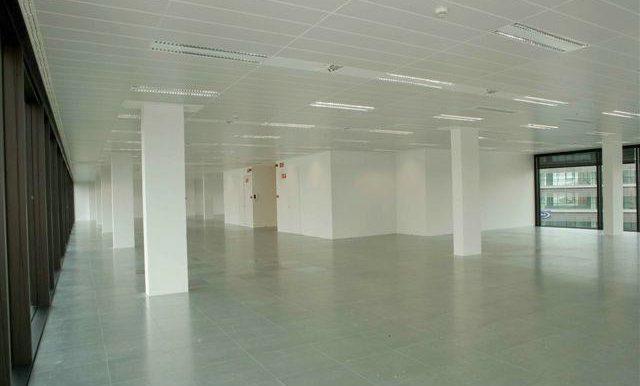 expertos-inmobiliarios-alquiler-venta-oficinas-barcelona-naves-industriales-alquiler-edificios-7
