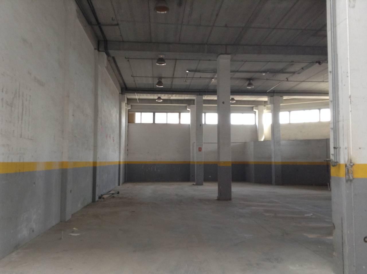 Alquiler nave industrial badalona barcelona vall s - Naves industriales barcelona ...
